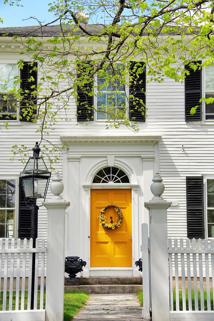 amherst spring - white house door