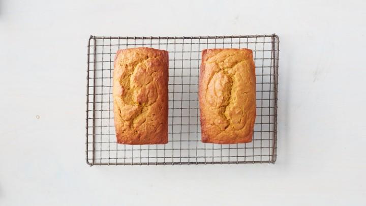pumpkin-bread-165-d111661_horiz.jpg